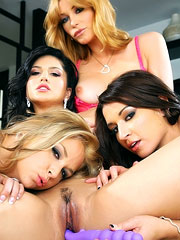 Sara Sloane and ger girlfriends